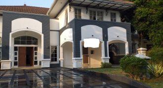Rumah Beverly Golf Siap Huni Lippo Karawaci Tangerang